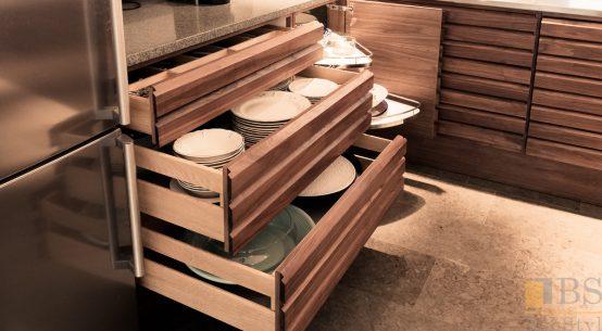 Meble kuchenne - orzech amerykański, meble na wymiar, kuchnia w stylu szwedzkim, nowoczesne meble kuchenne