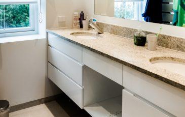 Szafka łazienkowa, meble łazienkowe, biała szafka łazienkowa