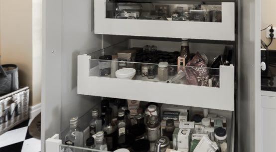 kuchnia w stylu szwedzkim, kuchnia szara, meble kuchenne na wymiar