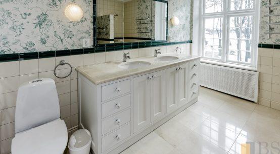 meble łazienkowe, szafka łazienkowa biała, meble w stylu szwedzkim